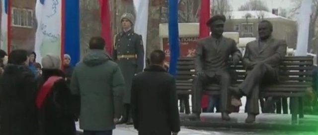 В Королёве установлен памятник С.П. Королёву и Ю.А. Гагарину