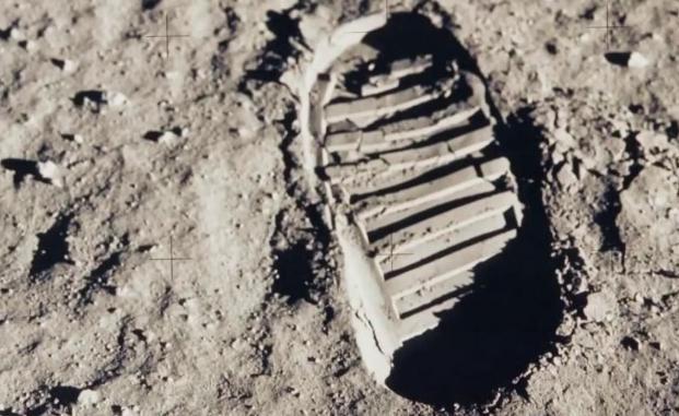 Кадры высадки на Луну